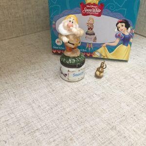 """PHB /Midwest Disney's """"Sneezy"""" Hinged Box NIB"""